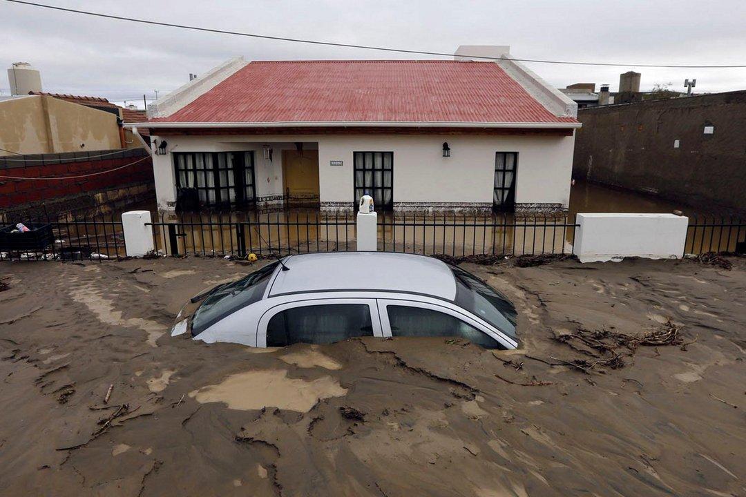 El temporal destrozó parte de la ciudad. Sin embargo, los tiempos para avanzar en obras se siguen dilatando.