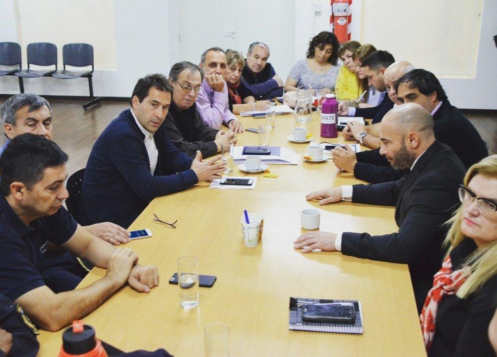 Durante el encuentro de ayer martes entre concejales de Comodoro y el ministro de Gobierno, Federico Massoni.