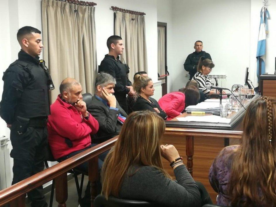 Le dictaron prisión perpetua a Oscar Biott por el asesinato de  Marcela Chocobar y 6 de prisión para Ángel Azzolini Foto: La Opinión Austral