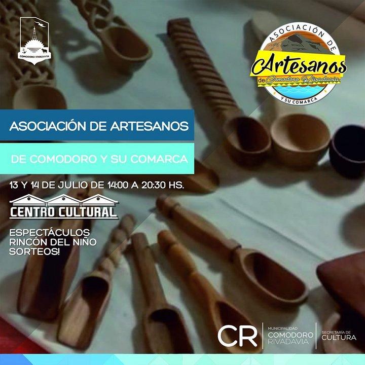 Feria de Artesanos en el Centro Cultural de Comodoro