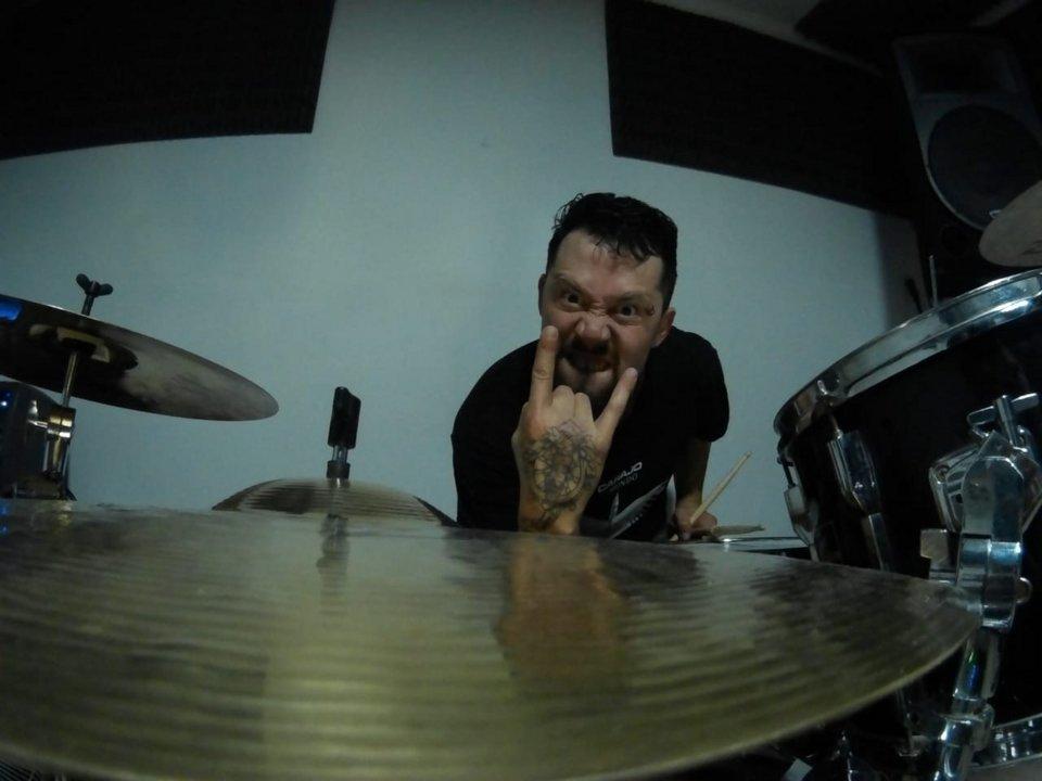 Gabriel Solís, baterista