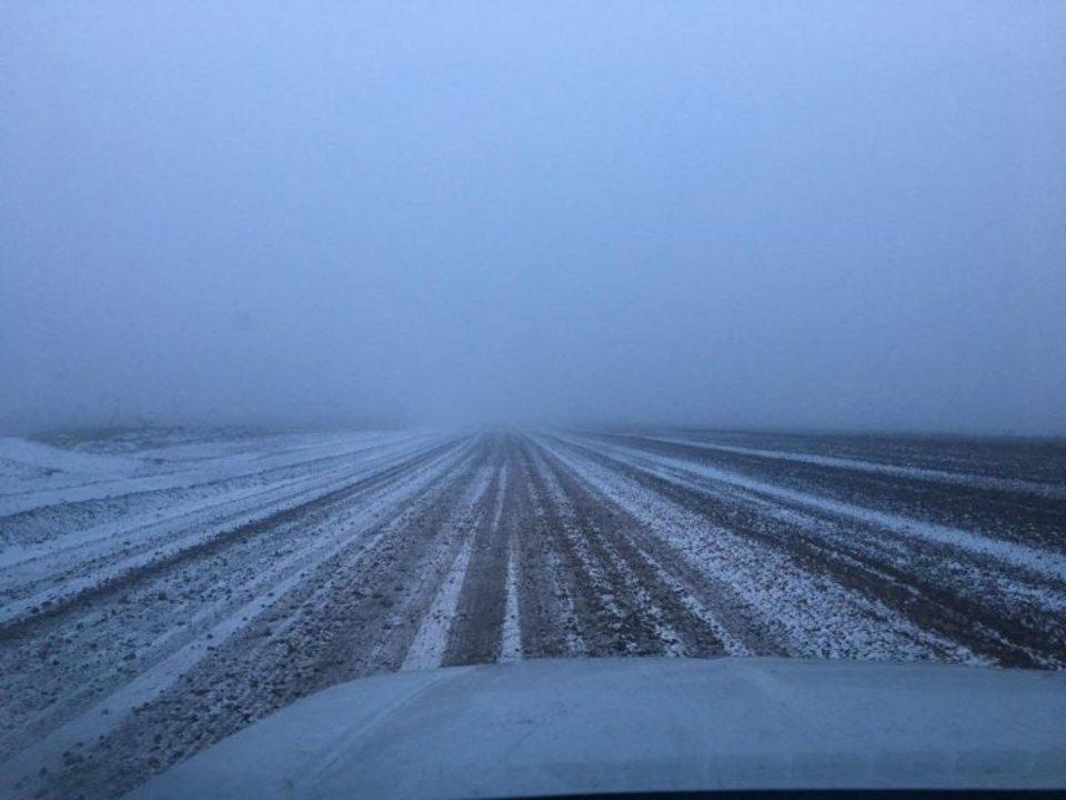 Nieve en el camino a Manantiales Behr.