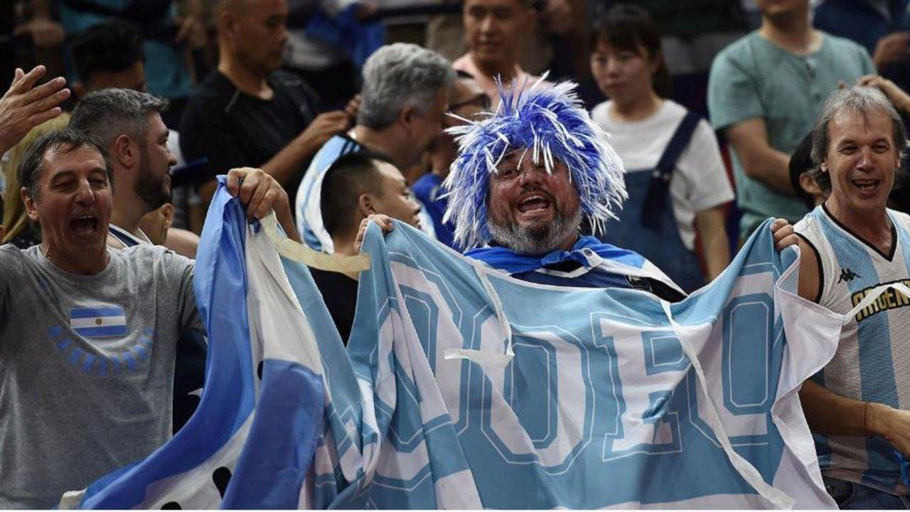 Francia bajó a Estados Unidos y jugará con Argentina