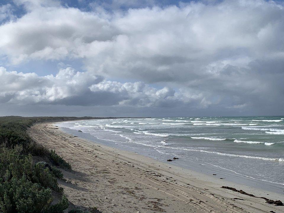 La playa se Australia donde Stephen encontró la botella.