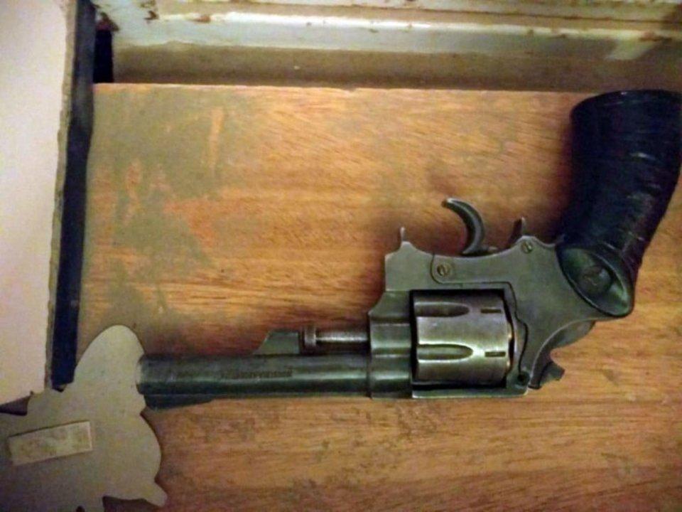 Una de las armas secuestradas. Foto: Diario Crónica