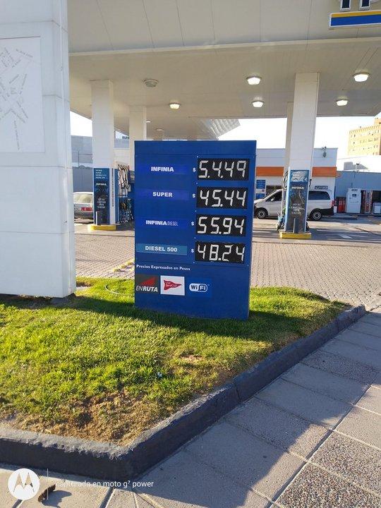 Con el 5 por ciento de aumento, así quedaron los valores de las naftas en Comodoro.