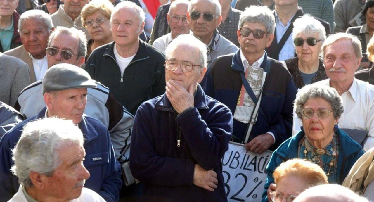 El Gobierno Provincial transfiere los fondos al ISSyS para pagar a jubilados y pensionados.