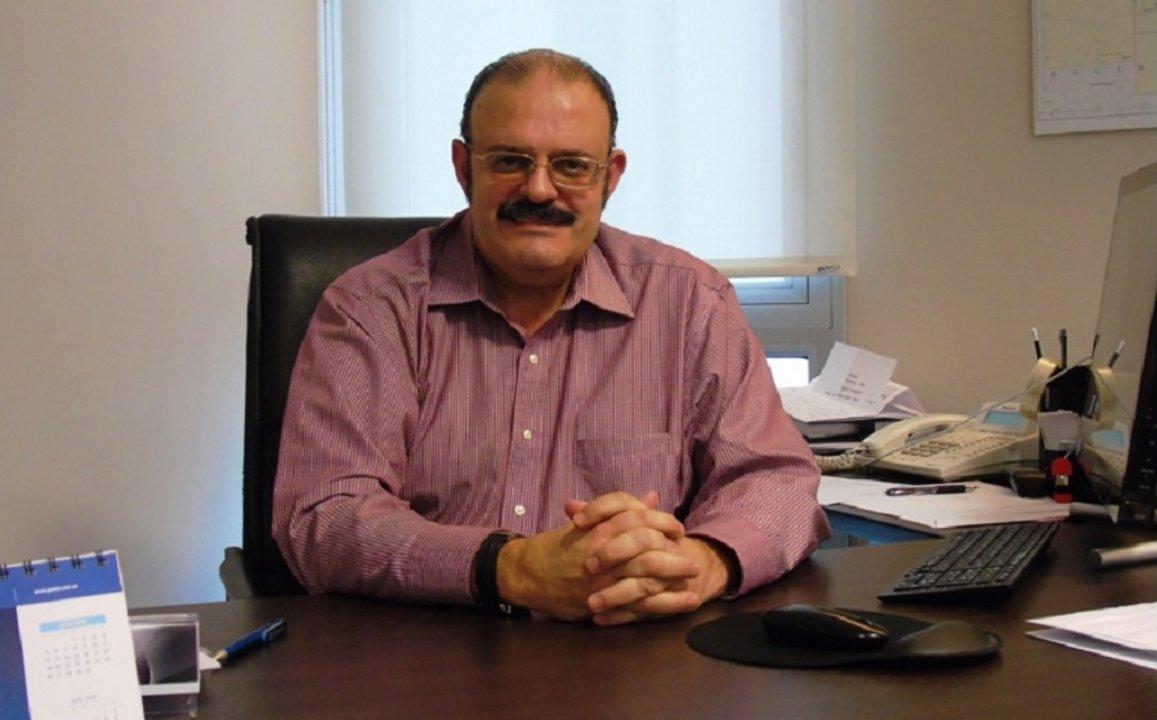 El del abogado laboralista José Luis Esperón, uno de los nombres que suenan para reemplazar a Ayala.