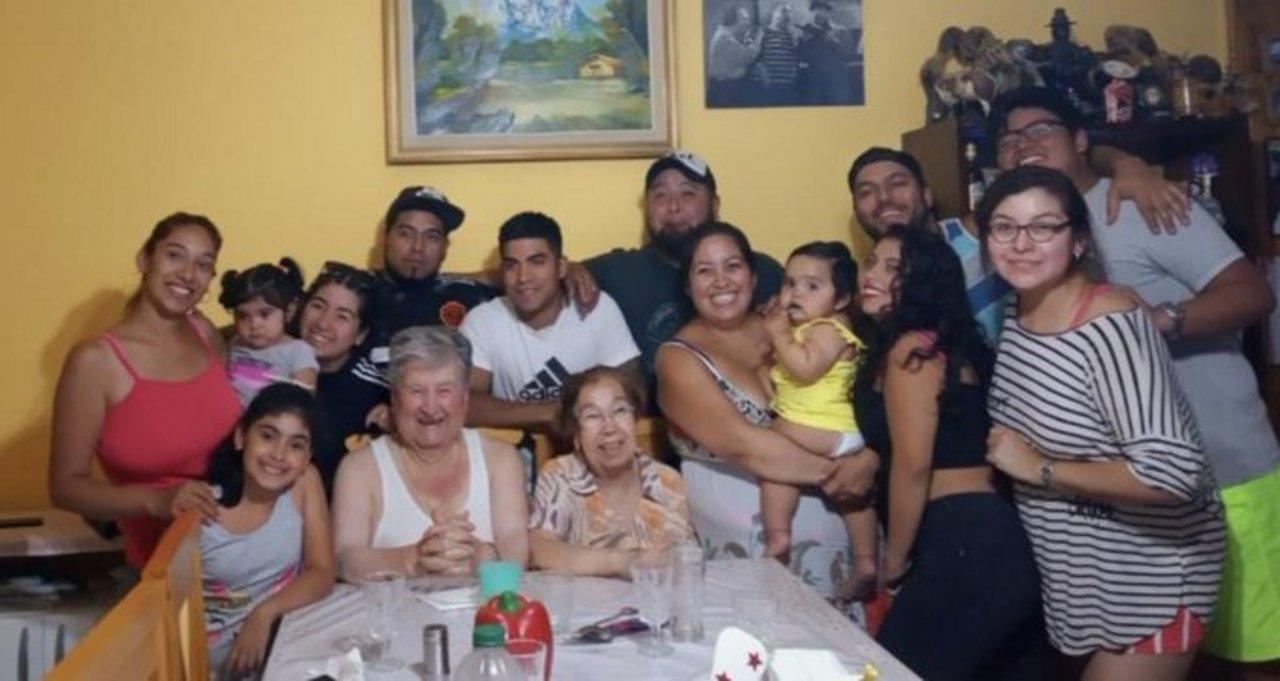 Oscar este domingo, durante un cumpleaños familiar, rodeado de sus hijos, nietos y bisnietos.