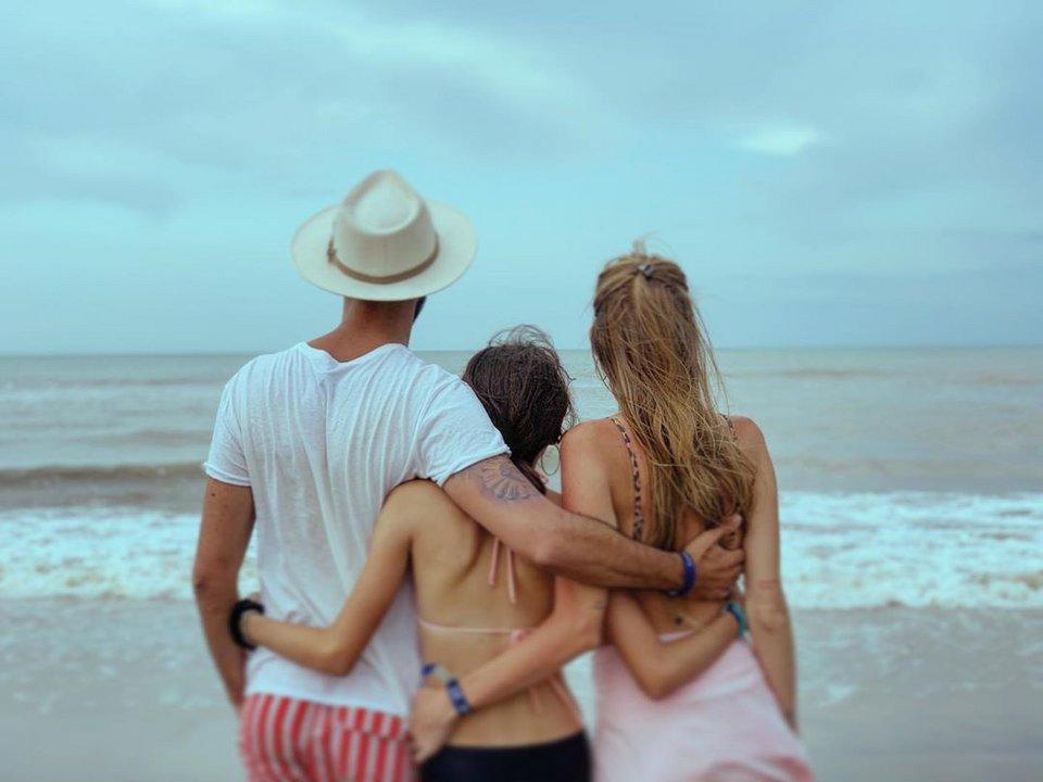 Abel Pintos publicó una tierna foto familiar en la playa — Sorpresa