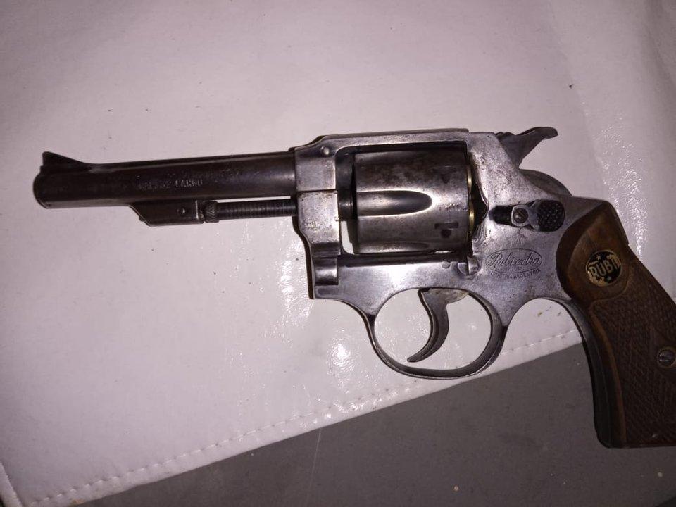 El arma secuestrada. Foto: ADNSUR