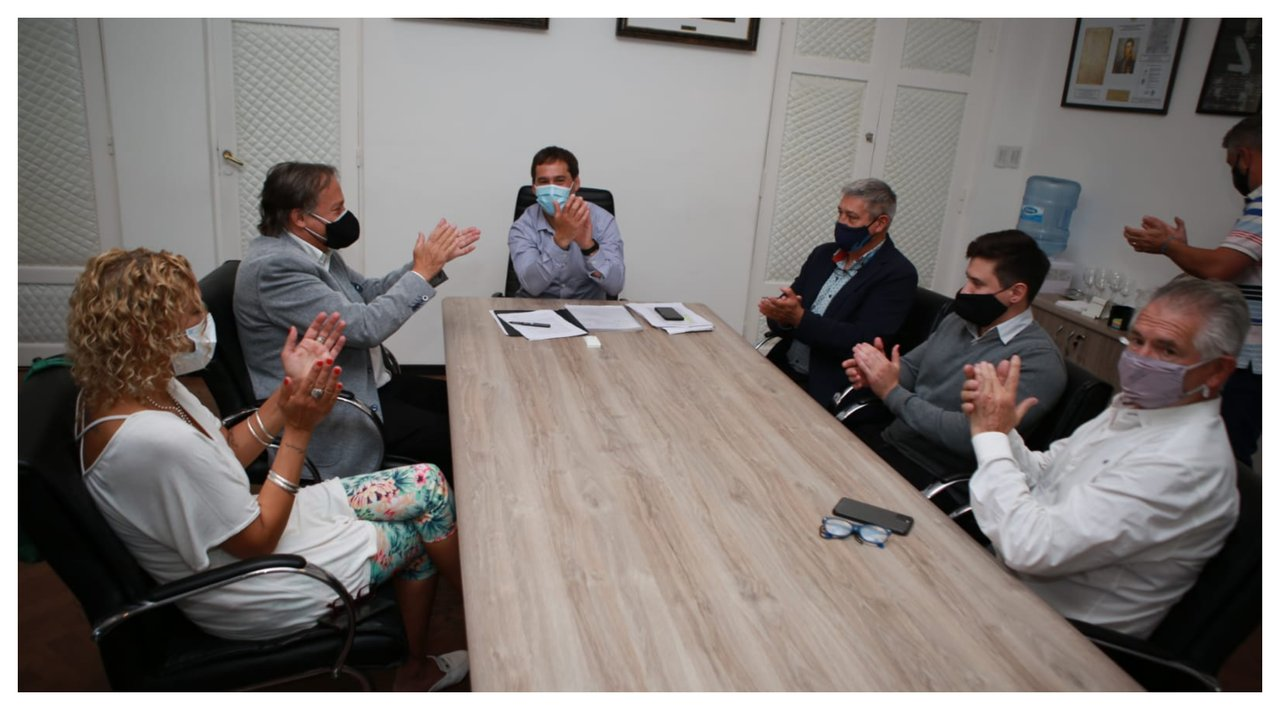 Juan Pablo Luque recibió al gerente de delegaciones y articulación de la Superintendencia de Servicios de Salud de la Nación, Víctor Urbani. Foto: MCR